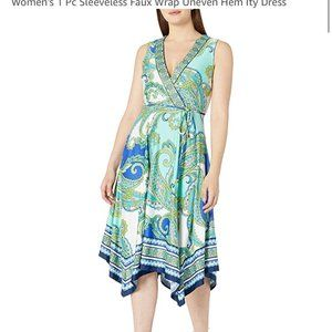 2/$30 👗 Sandra Darren Sleeveless Faux Wrap